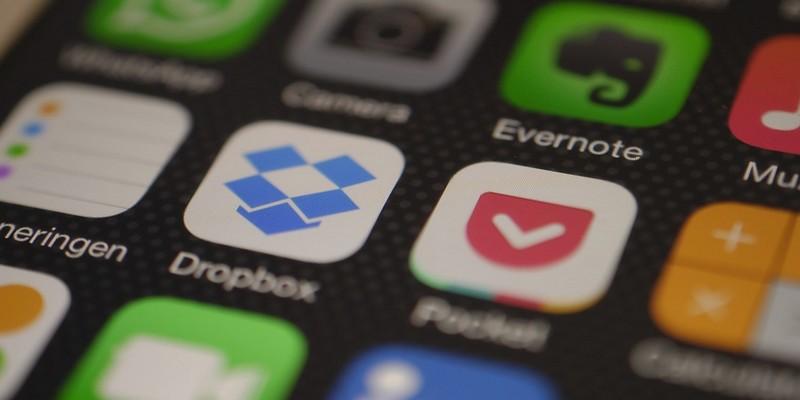 Cómo eliminar archivos de Dropbox a una hora programada