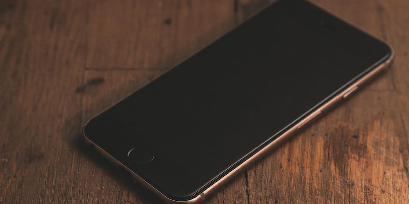 Un iPhone lo suficientemente resistente como para sobrevivir a una caída desde un avión