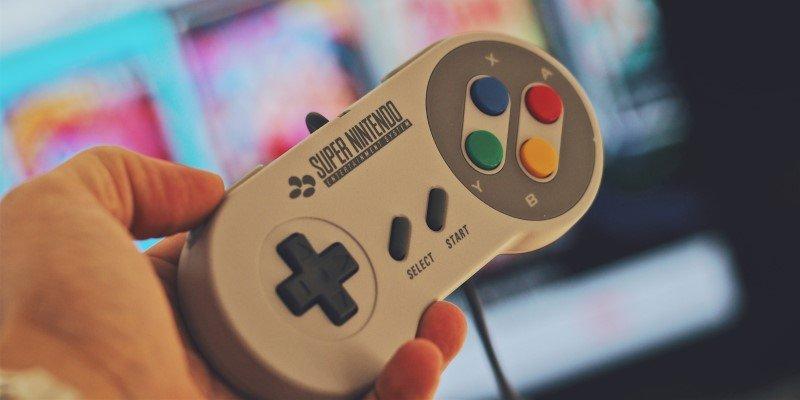 Cómo conectar una consola de juegos retro a un televisor moderno