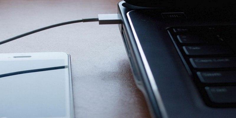 Cómo desactivar los puertos USB en Windows 10