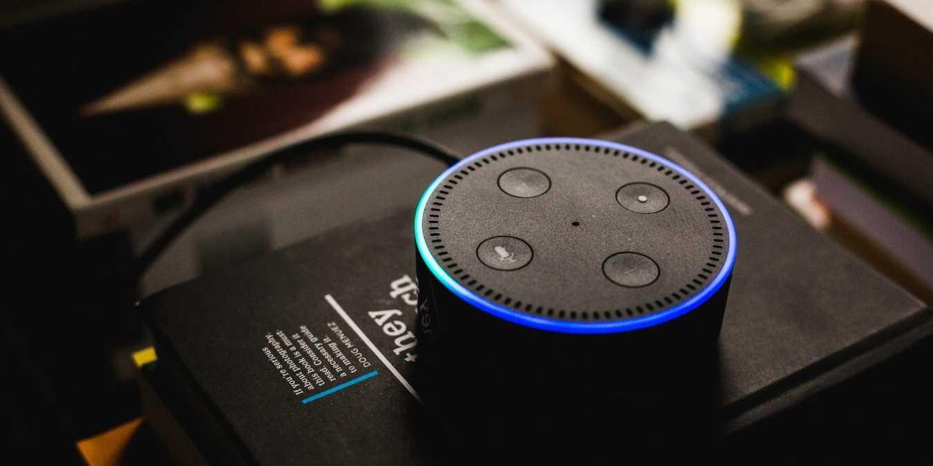 Cómo aísla Amazon Alexa las palabras de la vigilia