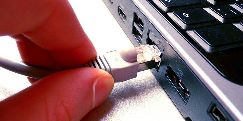 Cómo desactivar automáticamente el WiFi cuando se conecta a una conexión por cable