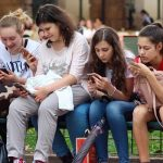 Facebook paga a adolescentes y adultos para que instalen una aplicación que les espía