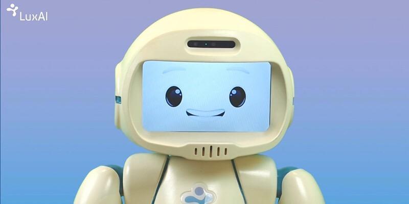 QTrobot podría servir de enlace entre niños autistas, terapeutas y padres