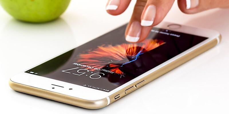 La guerra de los teléfonos inteligentes: Samsung fracasa más que el iPhone, según un estudio