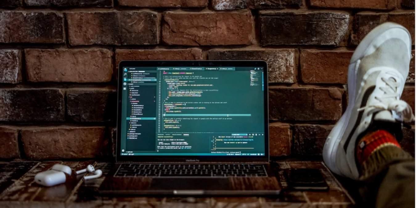 6 editores de códigos en línea para ayudarlo a codificar sobre la marcha