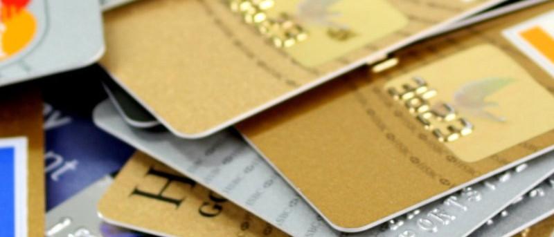 ¿Son más seguros los pagos en línea con números de tarjeta de débito de un solo uso?