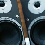 Cómo reproducir sonido a través de dos o más dispositivos de salida en Linux