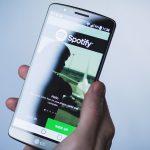 Cómo compartir una canción y una lista de reproducción en Spotify