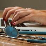 Microsoft adquiere Nuance, un sistema de inteligencia artificial de salud