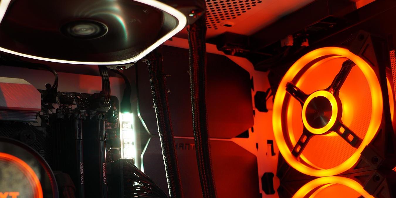 Una guía para ventiladores de admisión / escape y flujo de aire en su PC