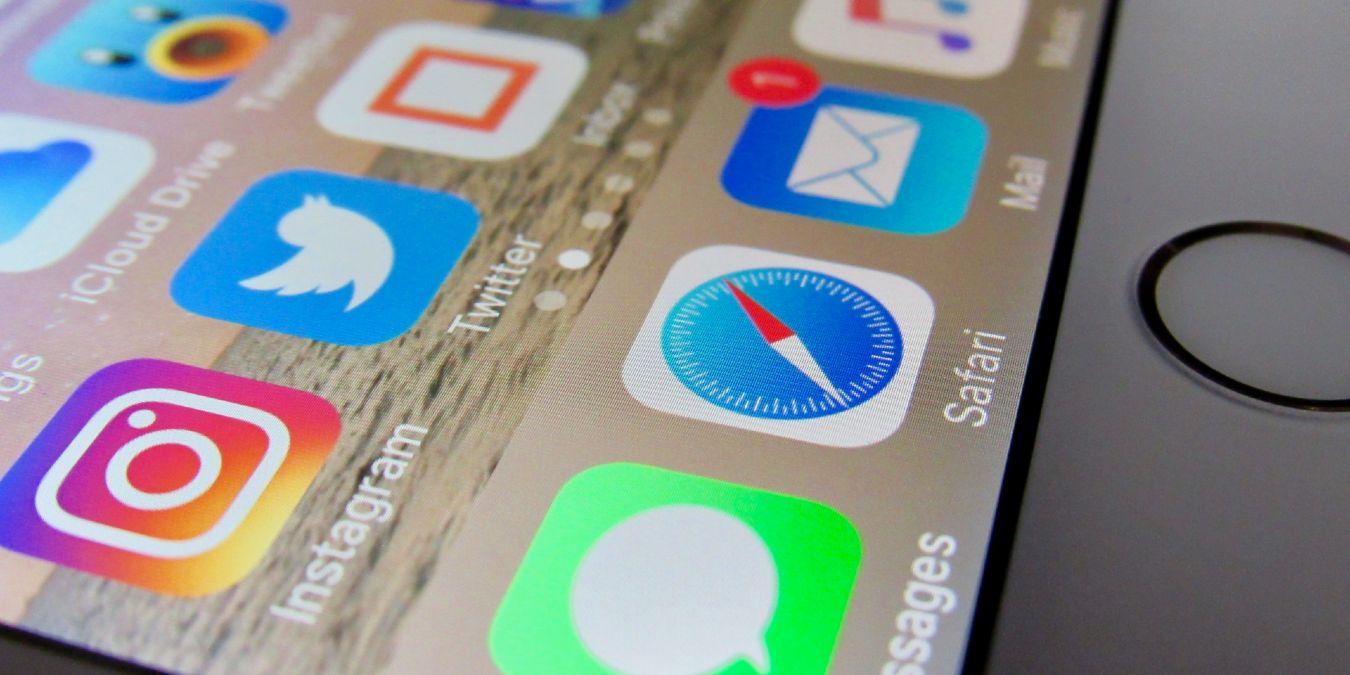 Cómo elegir nuevos favoritos de página de pestañas para iOS Safari