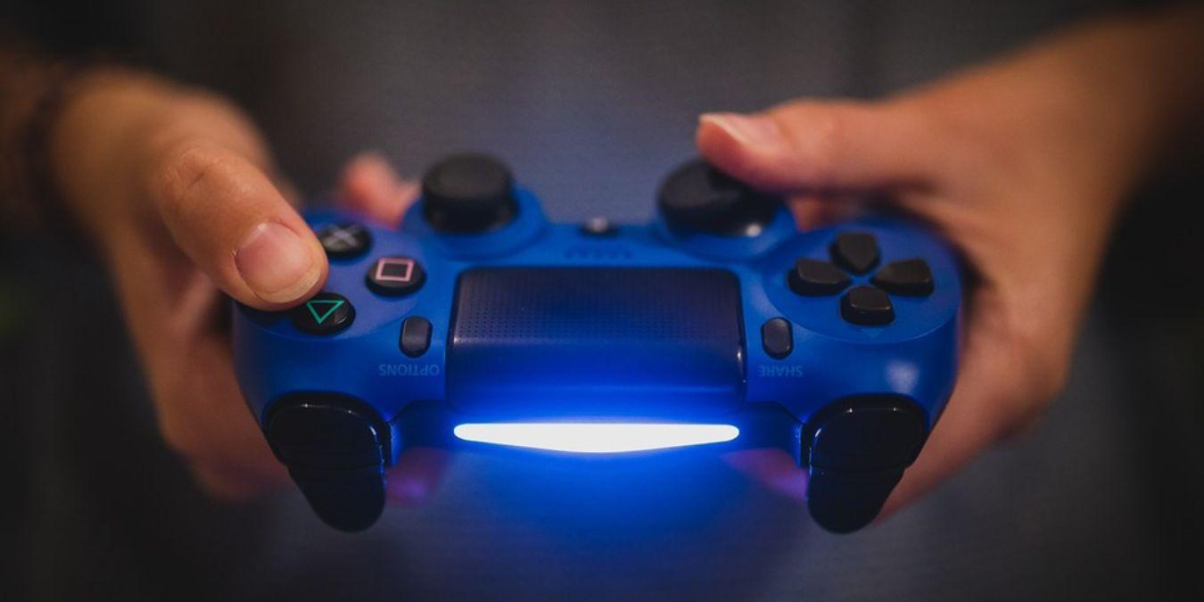 Las mejores alternativas de controlador PS4 para jugadores con manos más pequeñas