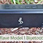Salga al aire libre con el altavoz Bluetooth Rave Modelo 1 de Sensport