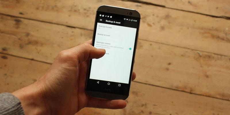 Cómo restaurar la configuración de su teléfono Android desde una copia de seguridad